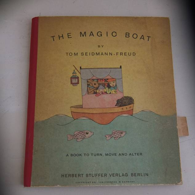 SEIDMANN-FREUD, TOM. - The magic boat. A book to turn, move and alter.