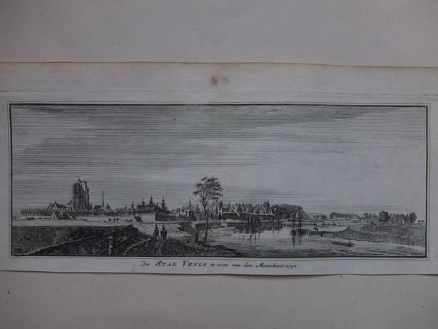 VENLO. - De Stad Venlo te zien van den Maaskant, 1741.